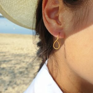 Regendruppel gold plated oorbellen