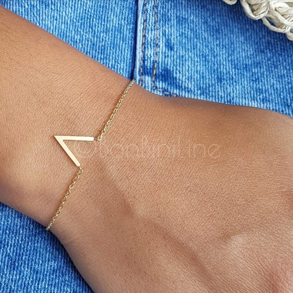 V gold plated bracelet