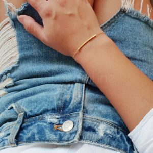 Curved bar gold plated armband